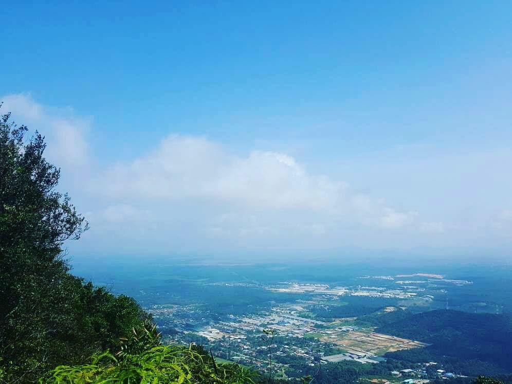 攝理教友登上南峇山后的美景_坚持到底的成果
