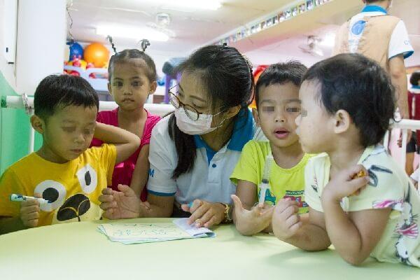 CGM摄理和平医疗团_职能治疗师评估孩子认知能力