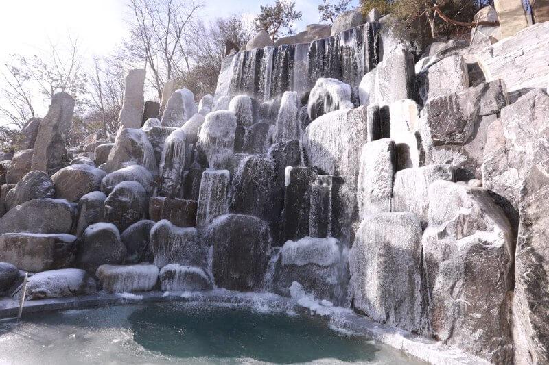 摄理月明洞冬季_瀑布