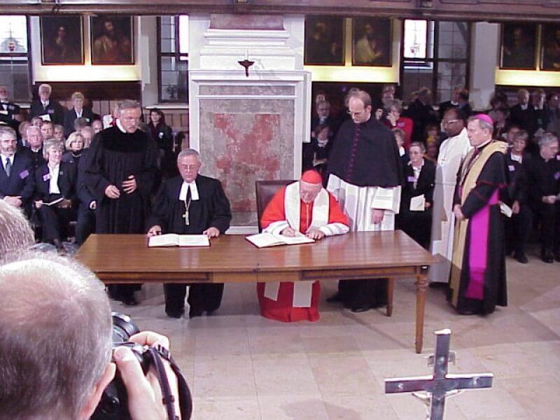 摄理_弥赛亚_新旧教签署和解宣言