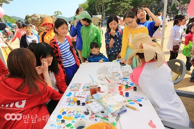 攝理月明洞_欢庆儿童节_脸部彩绘