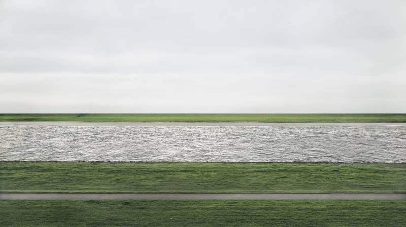 摄理新闻_Andreas Gursky作品_The Rhein II