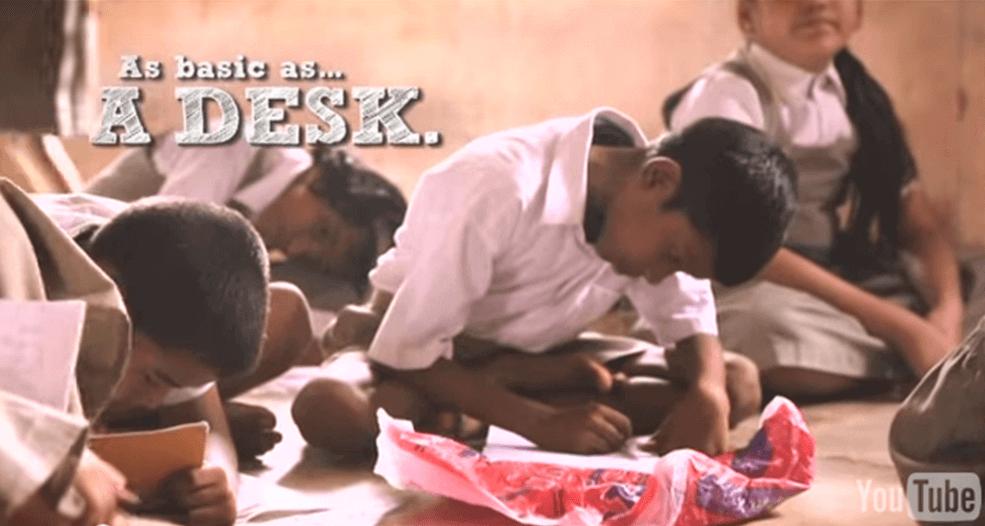 摄理新闻_孟买学生_纸板书桌