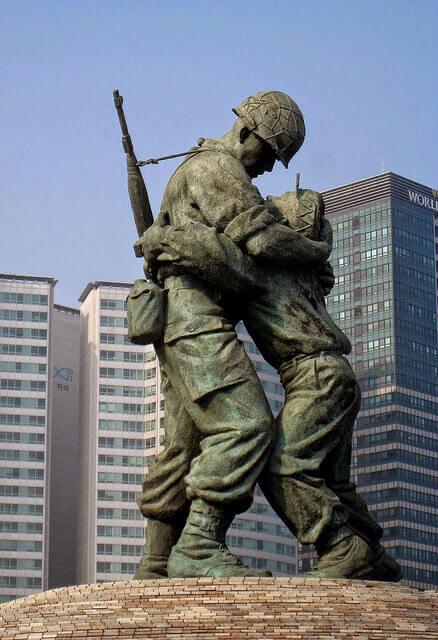 摄理新闻_战争与和平_雕像