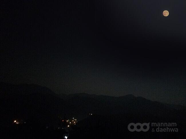 摄理月明洞_与主庆中秋_八峰夜景
