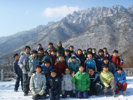 儿童寒假足球训练营合照